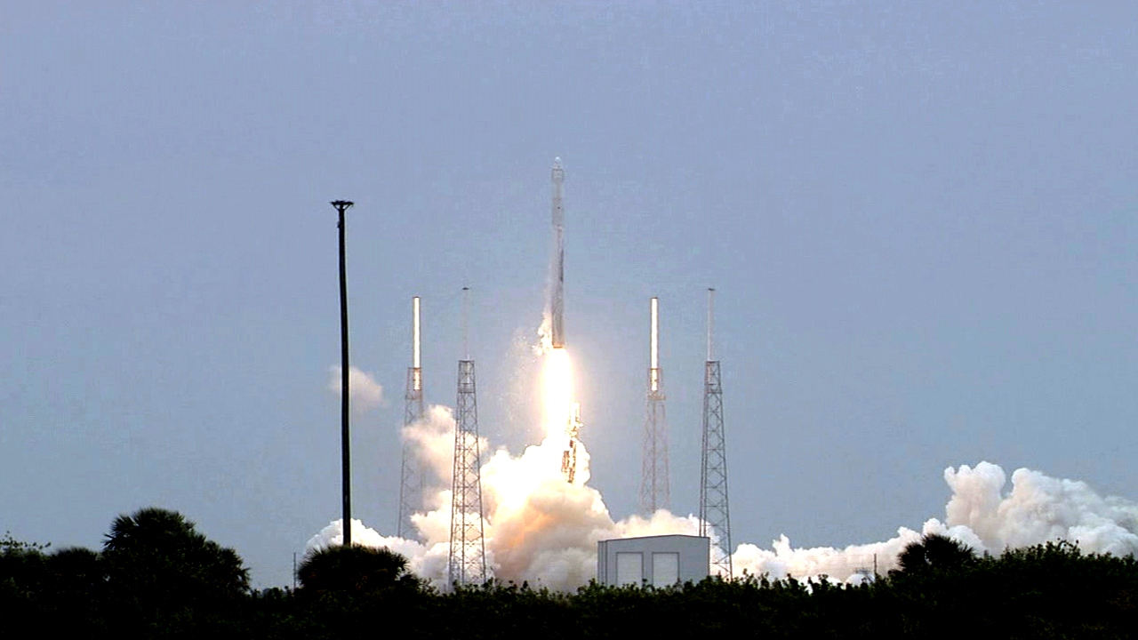 SpaceX's CRS-3 ISS resupply mission launches successfully on April 18 / Image Credit: NASA