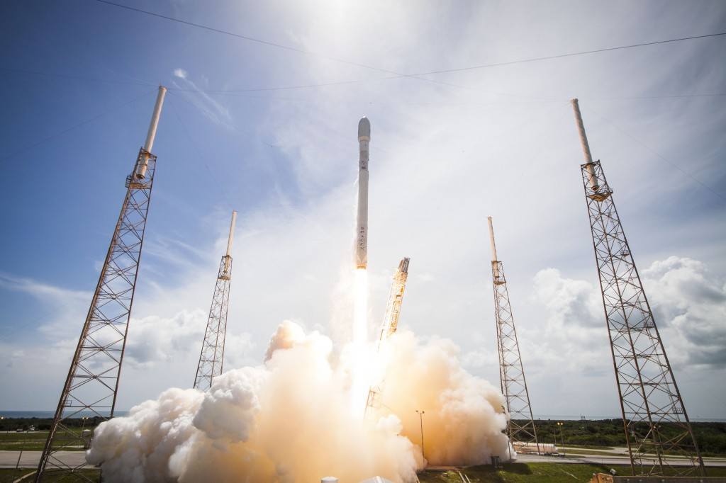 Orbcomm OG2 Satellites launched into orbit by SpaceX Falcon 9 Monday, Photo: Space Exploration Technologies Corp.