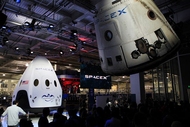 Unveiling of the Dragon V2 in June of this year, Photo: NASA Kennedy, CC BY 2.0