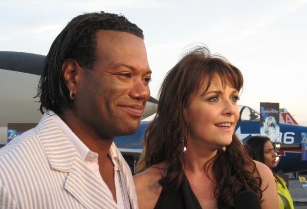 Amanda Tapping and Chris Judge in 2008; Photo: Wikimedia Commons user Pattymooney.
