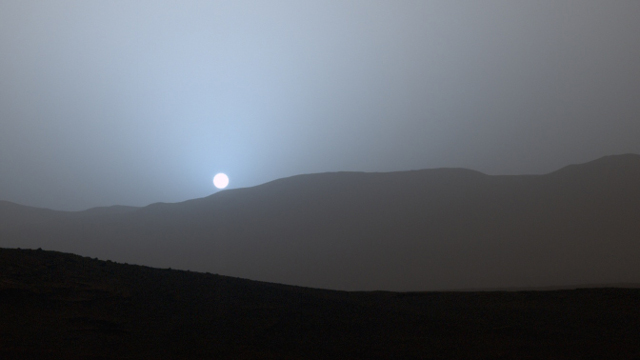 Because sunsets on the red planet are blue; photo: NASA/JPL-Caltech/MSSS/Texas A&M Univ.