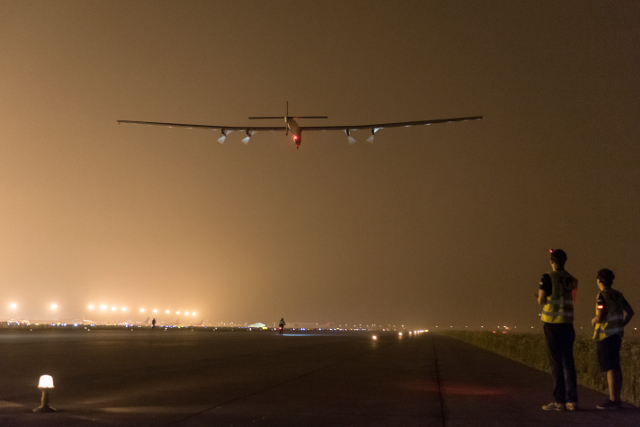 Solar Impulse 2 begins its long haul; Photo: © Solar Impulse | Pizzolante