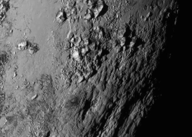 The Norgay Montes (mountains); Photo: NASA/JHUAPL/SwRI