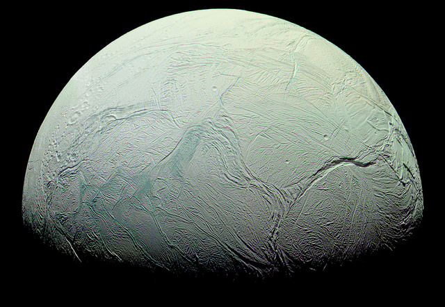 Saturn's icy (watery) moon | Photo: NASA/JPL/Space Science Institute, Processed by Kevin M. Gill, CC BY SA 2.0