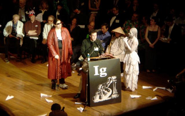 The 2006 IgNobel Prize ceremony | Photo: Jeff Dlouhy, CC BY 2.0