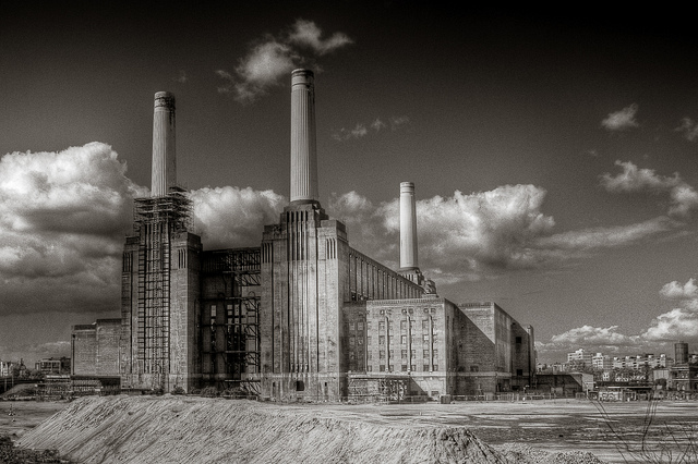The iconic Battersea coal power station closed in 1983 and is likely being put to another use in the near future | Photo: Mark Ramsay, CC BY 2.0