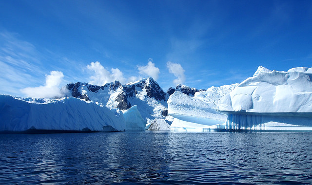 Antarctica: Now With (slightly) More Ice -- but for how long? | Photo: Andreas Kambanis, CC BY 2.0