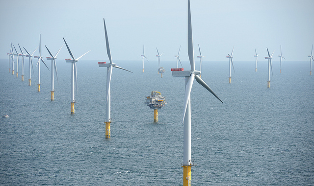 Sheringham Shoal Offshore Wind Farm | Photo: NHD-INFO, Harald Pettersen/Statoil, CC BY 2.0