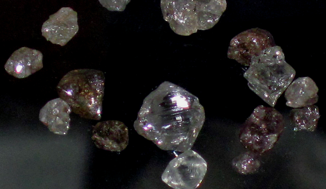 Raw diamonds |Photo: James St. John, CC BY 2.0