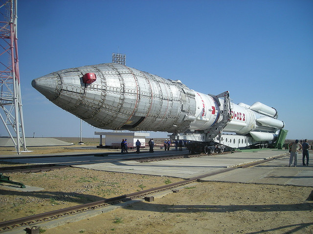 A Russian Proton-M rocket being readied for launch | Photo: Alex Lane, CC BY-SA 2.0