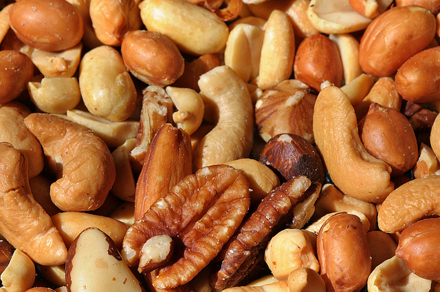 Mixed nuts | Photo: theilr, CC BY-SA 2.0